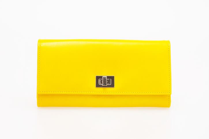 黄色財布 金運
