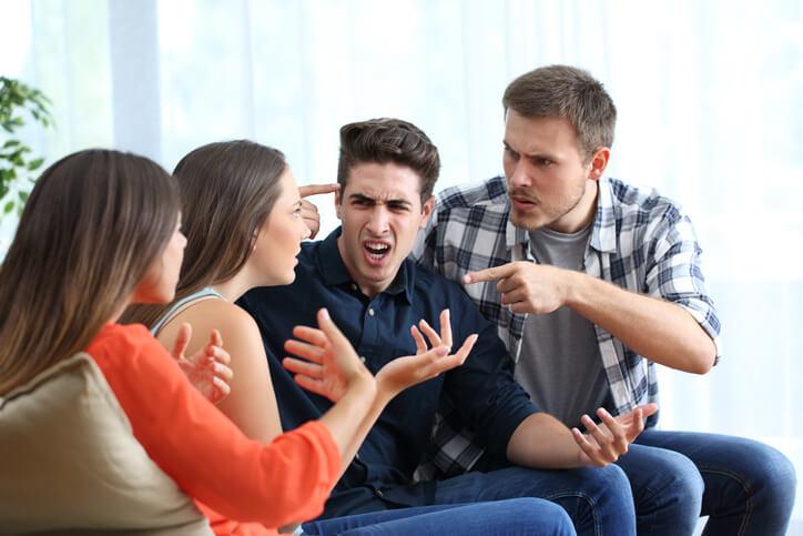 喧嘩 人間 友人 人間関係 対人関係