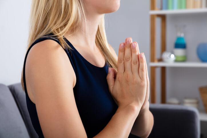 先祖供養 手を合わせる 神様 祈り やり方 おすすめ