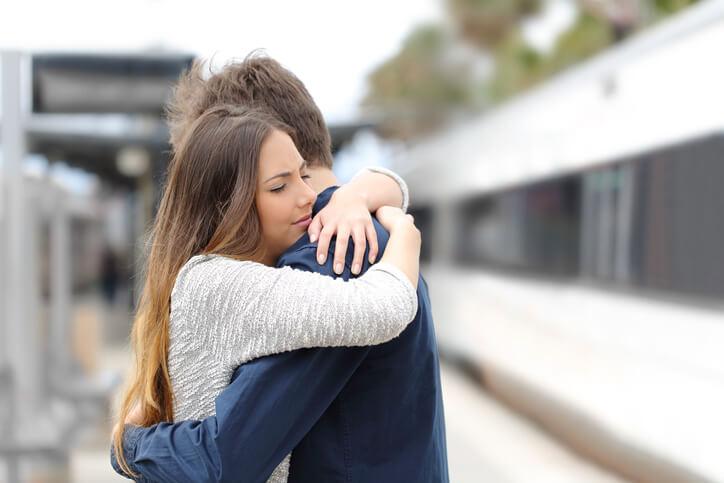 遠距離恋愛 別れ間際 寂しい会えない 会いたい 悩み 占い おすすめ 口コミ